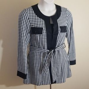 A. Giannetti size L black and white blazer